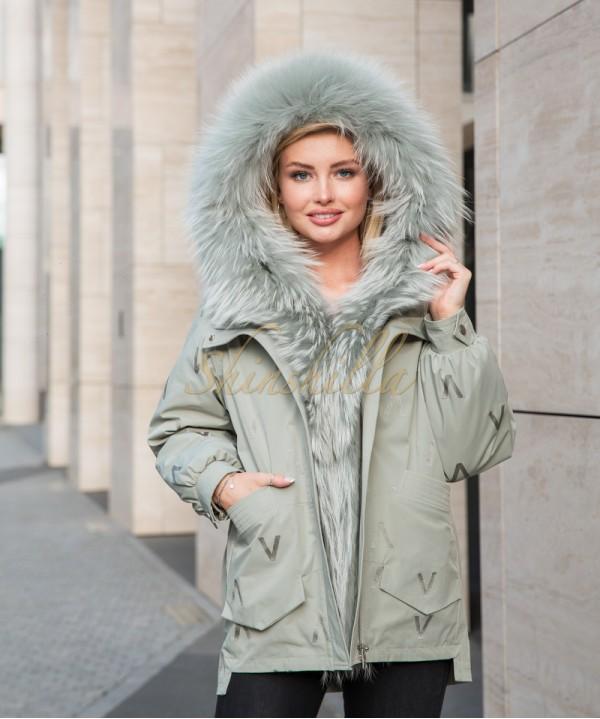 Куртка-парка с мехом енота